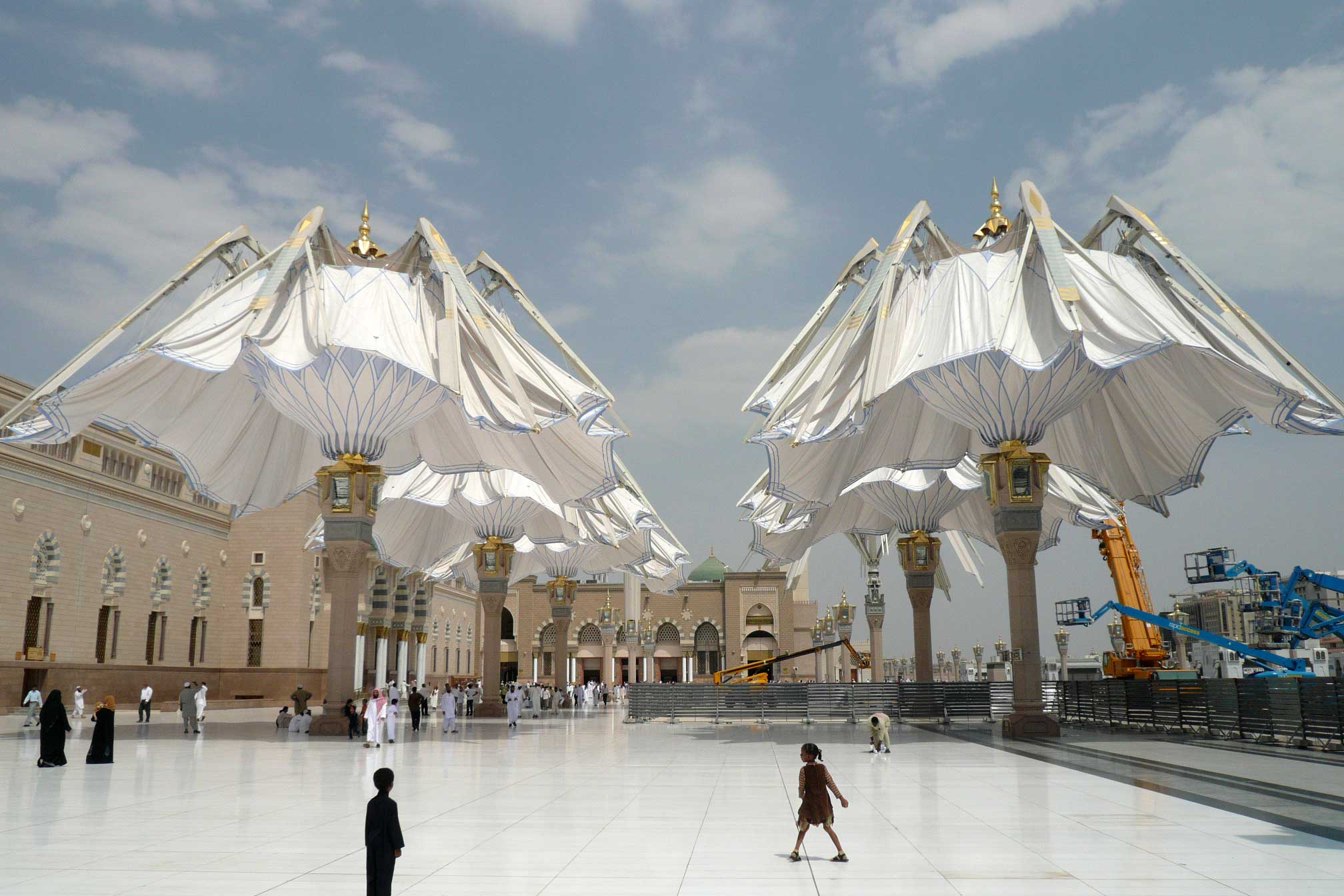 Umbrellas for the piazza of the prophet s holy mosque for Architecture upbrella